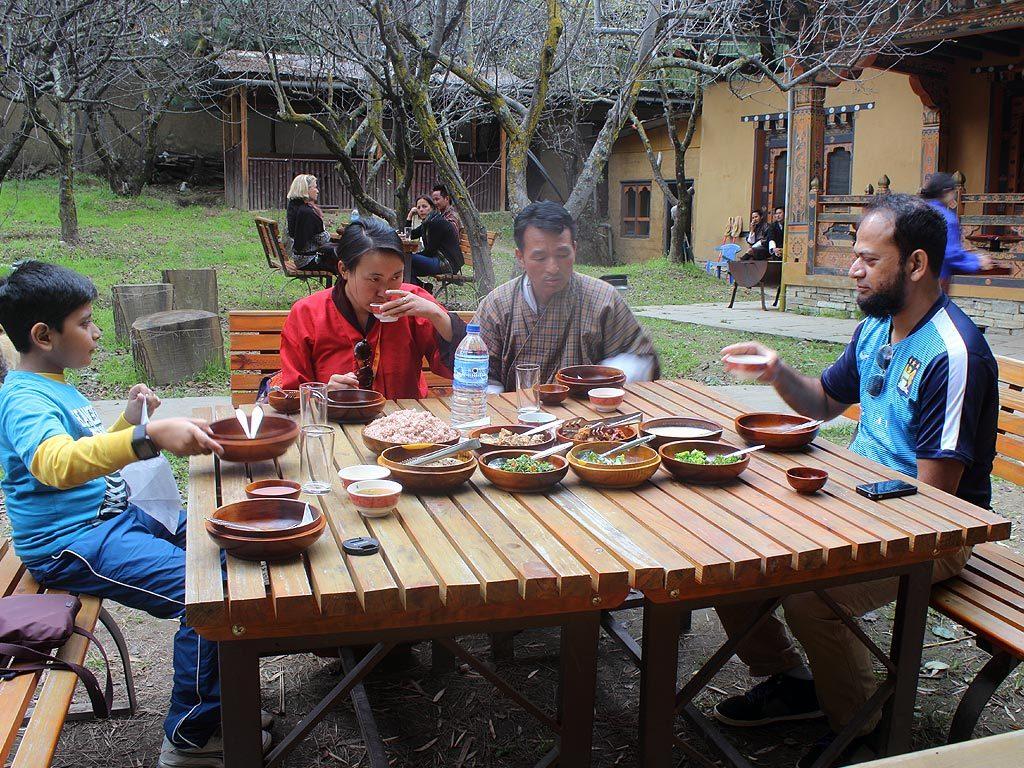 nilufa-folk-heritage