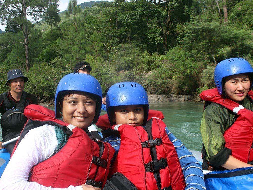 nilufa-rafting1